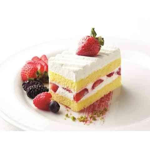 עוגת תות - נוזל אידוי בהתאמה אישית, בטעם עוגת תות המכילה תותים טריים, קרם שמנת ועוגה ספוגית בטעם שאי אפשר לעמוד בו 🍰