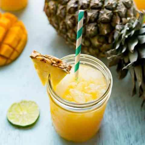 אקסקוויזיט - נוזל אידוי בהתאמה אישית, בטעם משקה קריר ומרענן של פירות טרופיים הכולל אננס, מנגו פאפיה ועוד.